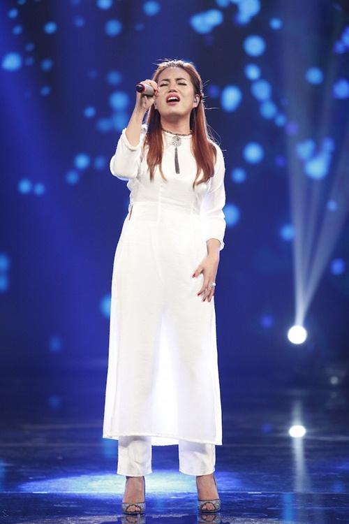 vietnam idol: co gai ngoai quoc lam thu minh, bang kieu nghe khong hieu van ngat ngay - 3