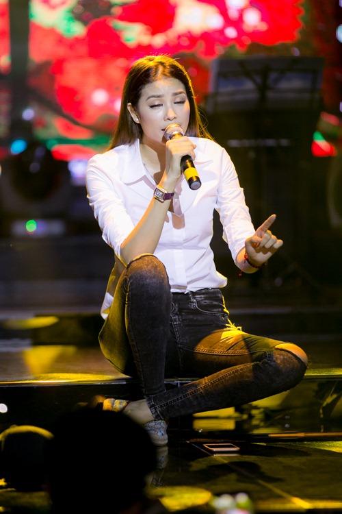 """hh pham huong tuoi tan hop fan giua """"tam bao"""" the face - 9"""