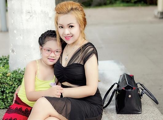 quy co tu tin day minh vi duoc chong khen day dan phuc hau - 4