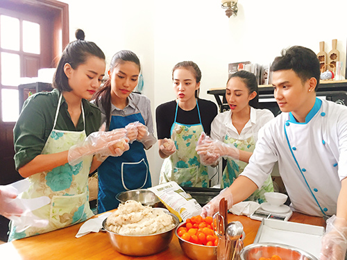 team lan khue lam banh trung thu tang tre em ngheo - 7