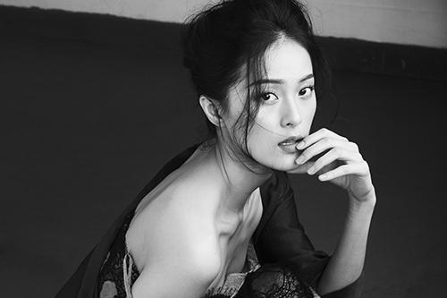 """""""nang tam"""" ha vi khoe tron ve dep khong goc chet - 8"""