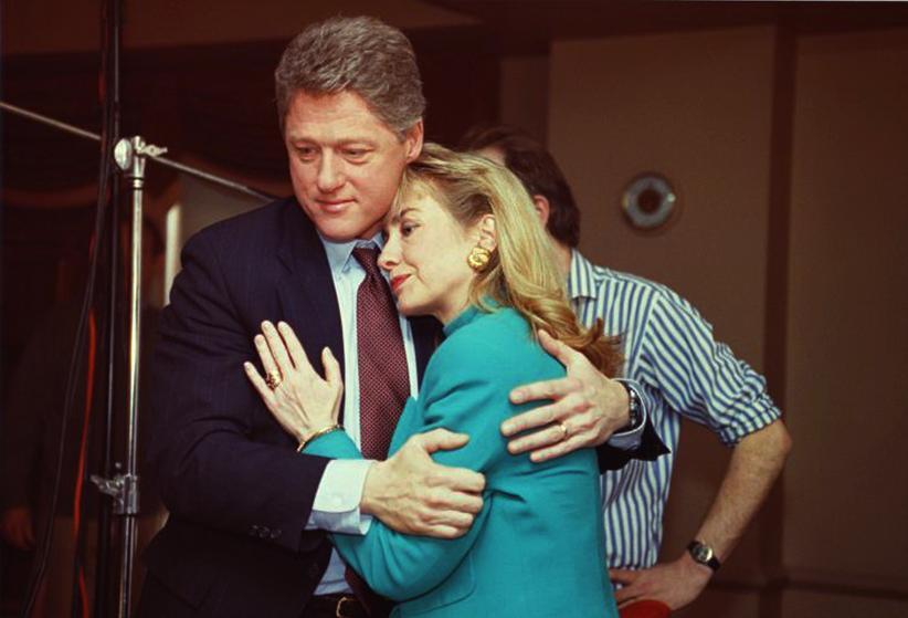 """Những khoảnh khắc """"không thể tình hơn"""" của Hillary và Bill Clinton-4"""