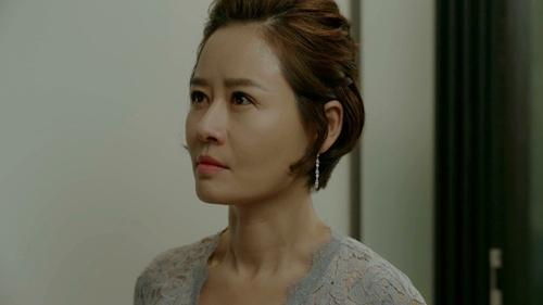 """yeu khong kiem soat tap 15: suzy """"chet sung"""" nhin kim woo bin hon gai giau - 8"""