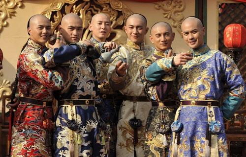 """""""bo bo kinh tam ban han"""": bom tan thuc su hay """"thung rong keu to""""? - 12"""