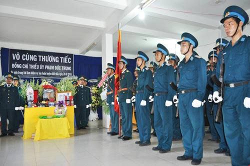 vinh biet thieu uy phi cong pham duc trung - 2