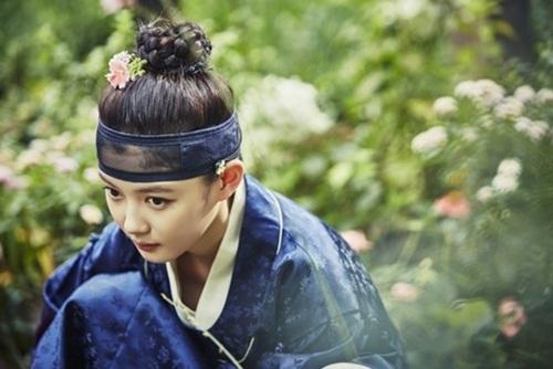 """""""may hoa anh trang"""" tap 3: kim yoo jung sung so khi biet minh dang """"choi voi ho"""" - 1"""