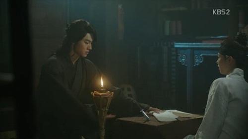 """""""may hoa anh trang"""" tap 3: kim yoo jung sung so khi biet minh dang """"choi voi ho"""" - 6"""