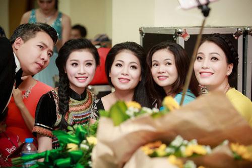 "quan quan sao mai 2015 thu hang dep tua nu than ngay ""tro ve"" - 9"