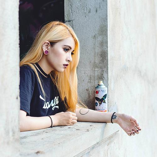 Cô gái Sài Gòn 19 tuổi gây chú ý vì đeo khuyên kín môi-2