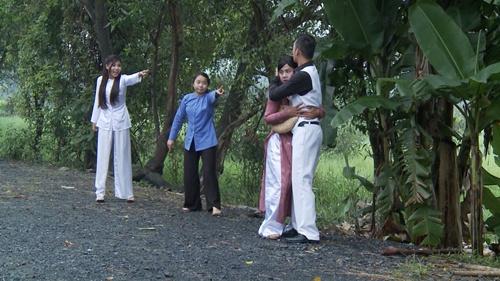 """ai my nhan"": thuy diem doi lot ao, cao mat bo nhi luong the thanh - 1"