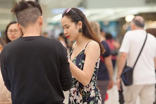 Lưu Hương Giang đẹp mảnh mai sau 4 tháng sinh con thứ 2-4