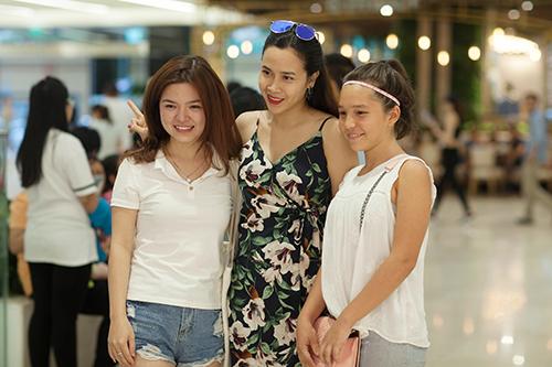 Lưu Hương Giang đẹp mảnh mai sau 4 tháng sinh con thứ 2-8