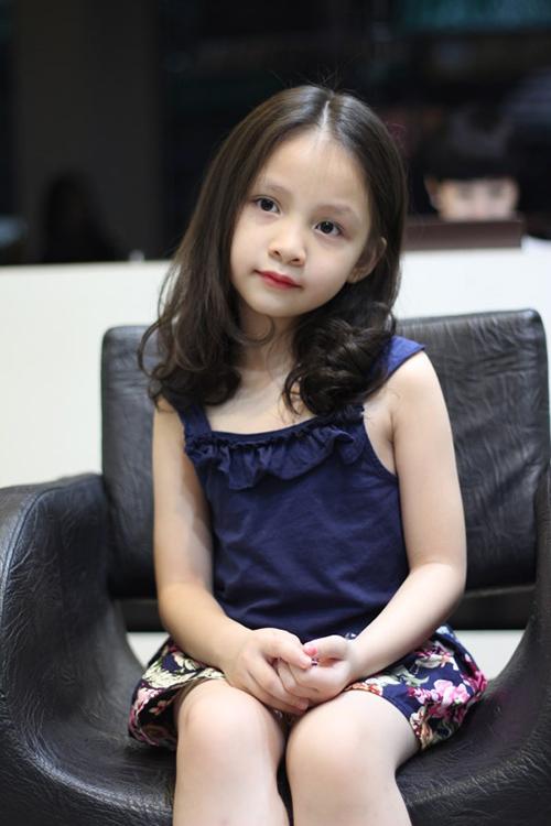 Những kiểu tóc đẹp ngày khai giảng cho bé gái các mẹ đừng quên-11