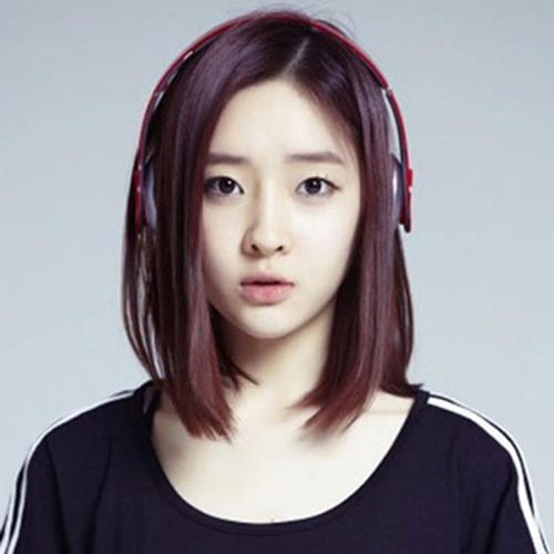 """Trấn Thành lại dính """"phốt"""" khi dùng hình ca sĩ Hàn Quốc làm... ảnh thờ-3"""
