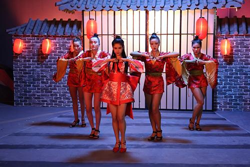 Trương Quỳnh Anh bất ngờ hóa sát thủ Geisha sắc lạnh mà quyến rũ-7