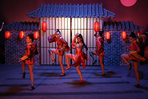 Trương Quỳnh Anh bất ngờ hóa sát thủ Geisha sắc lạnh mà quyến rũ-8
