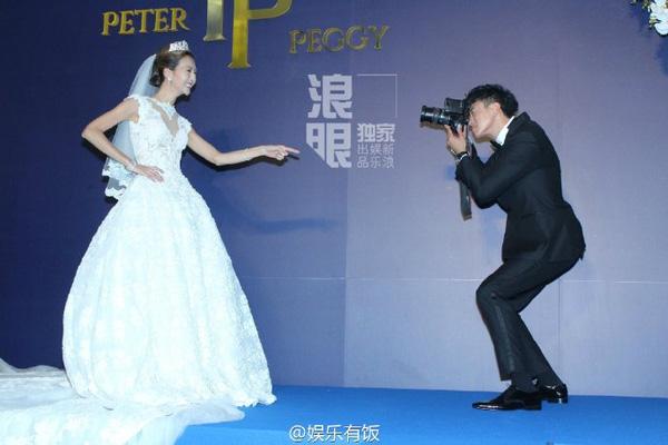 Vợ Hà Nhuận Đông rơi nước mắt vì xúc động trong lễ rước dâu-11