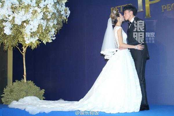 Vợ Hà Nhuận Đông rơi nước mắt vì xúc động trong lễ rước dâu-7