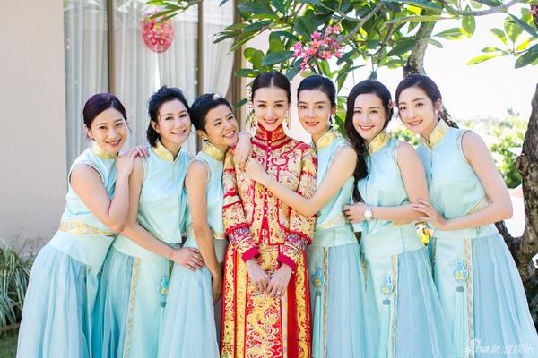 """Mỹ nam """"Vườn sao băng"""" Chu Hiếu Thiên ngọt ngào hôn vợ trong lễ rước dâu-5"""
