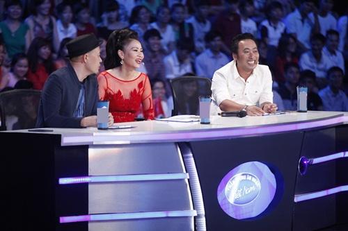 vietnam idol: thu minh dien vay long lay, bat ngo hat tang khan gia - 9