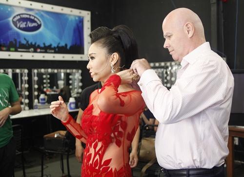 Vietnam Idol: Thu Minh diện váy lộng lẫy, bất ngờ hát tặng khán giả-2
