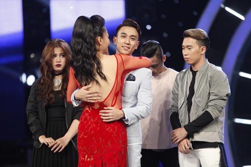 Vietnam Idol: Thu Minh diện váy lộng lẫy, bất ngờ hát tặng khán giả-20