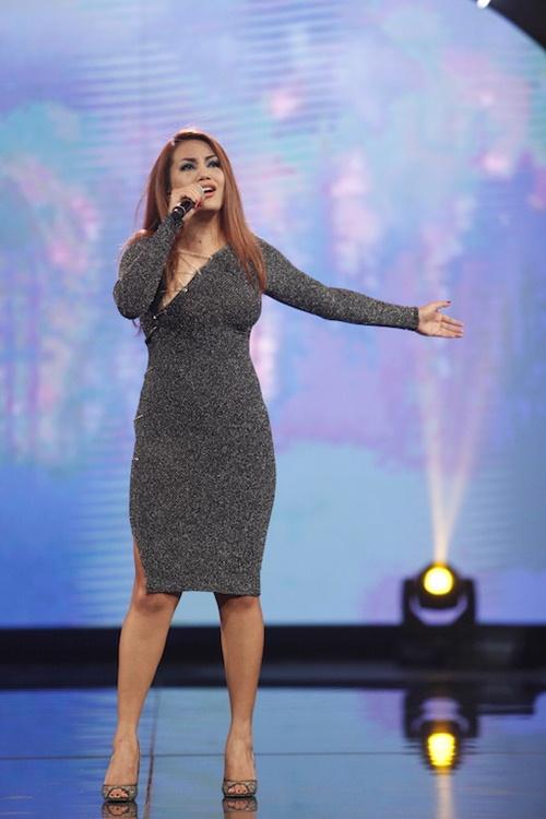 Vietnam Idol: Thu Minh diện váy lộng lẫy, bất ngờ hát tặng khán giả-16