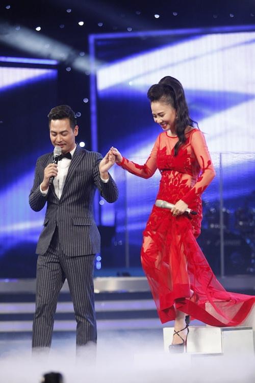 Vietnam Idol: Thu Minh diện váy lộng lẫy, bất ngờ hát tặng khán giả-8