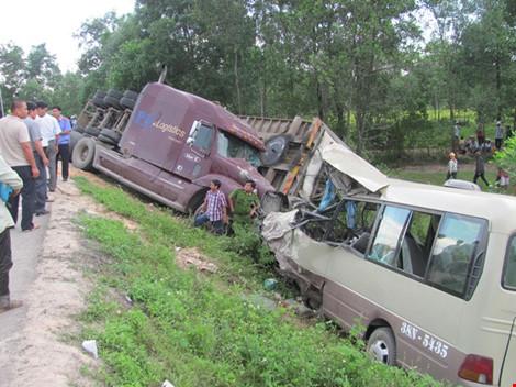 3 ngày nghỉ lễ: cả nước xảy ra 71 vụ tai nạn, 33 người tử vong-1