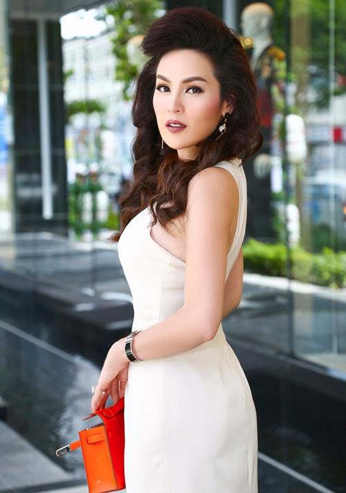 a hau phuong le mac dam trang kheo khoe eo thon - 2