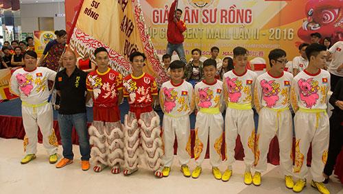MC Thanh Bạch hào hứng với ngày hội Lân Sư Rồng dịp Trung thu-5