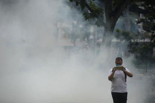 phu huynh singapore dang tim moi cach bao ve con truoc virus zika - 1