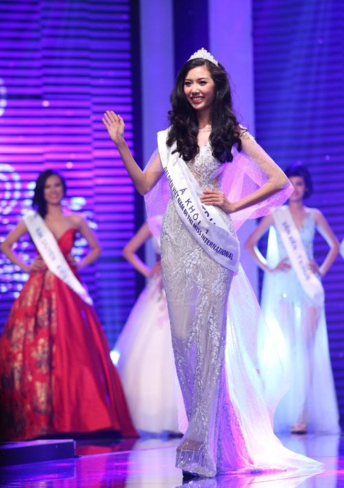 vietnam's next top model: 4 nguoi dep nay deu om mong ca hoa hau lan nguoi mau - 9