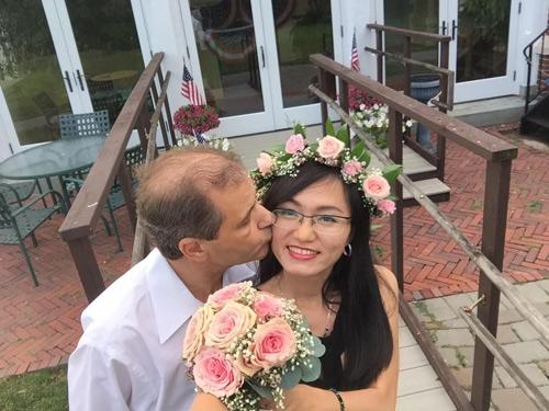 4 năm yêu xa, 3 lần gặp gỡ và hôn nhân hạnh phúc bên chồng Tây hơn 23 tuổi-2