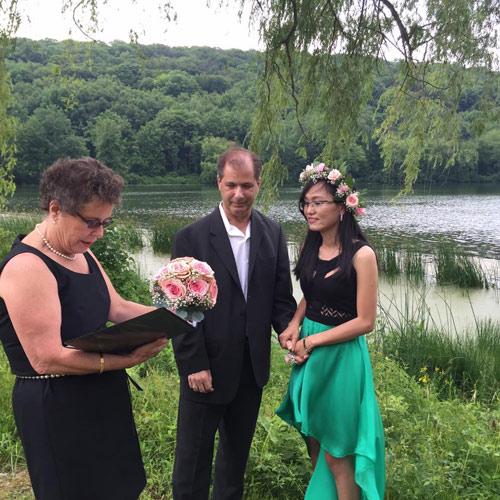 4 năm yêu xa, 3 lần gặp gỡ và hôn nhân hạnh phúc bên chồng Tây hơn 23 tuổi-7