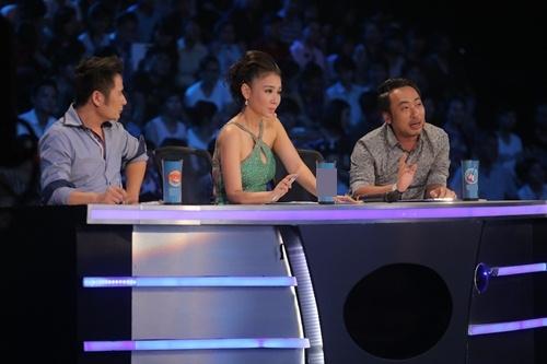 "vietnam idol: bang kieu buon cuoi khi thi sinh mat ""dan"" ra vi co nghiem tuc - 8"