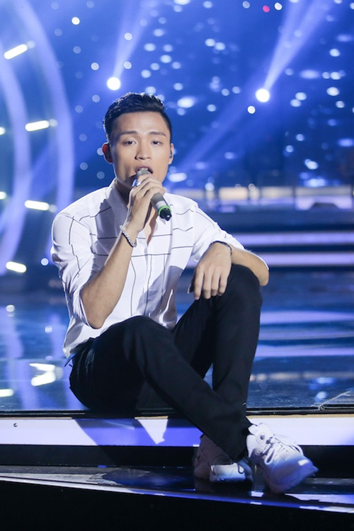 "vietnam idol: bang kieu buon cuoi khi thi sinh mat ""dan"" ra vi co nghiem tuc - 5"