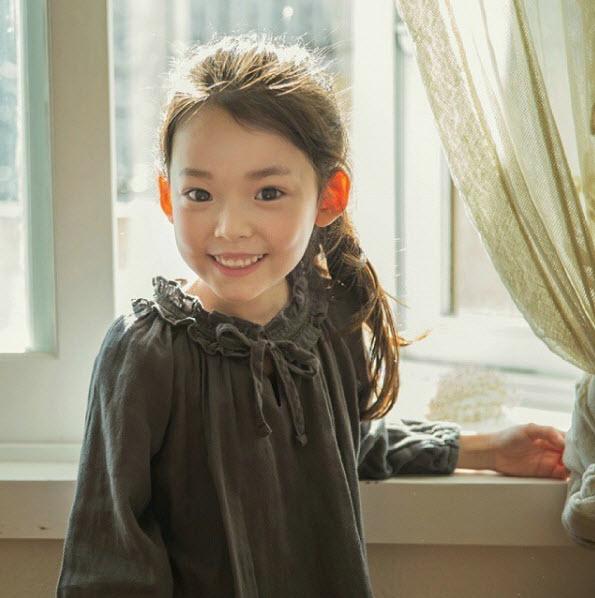 """Đứng tim trước vẻ đẹp trong sáng của """"thiên thần buồn"""" 6 tuổi-4"""