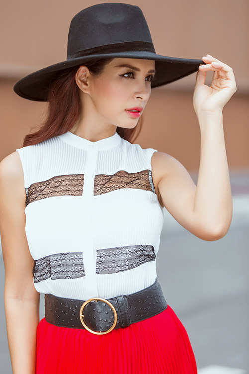 cap song sinh thuy hang - thuy hanh khoe street style tuyet dep - 12