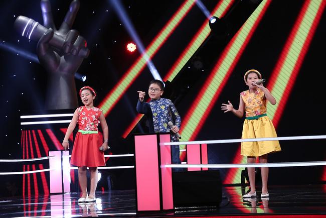 "tv show tuan qua: bang kieu thay thi sinh ""mat dan"", tran thanh bi ""nem da"" tai vtv awards - 3"