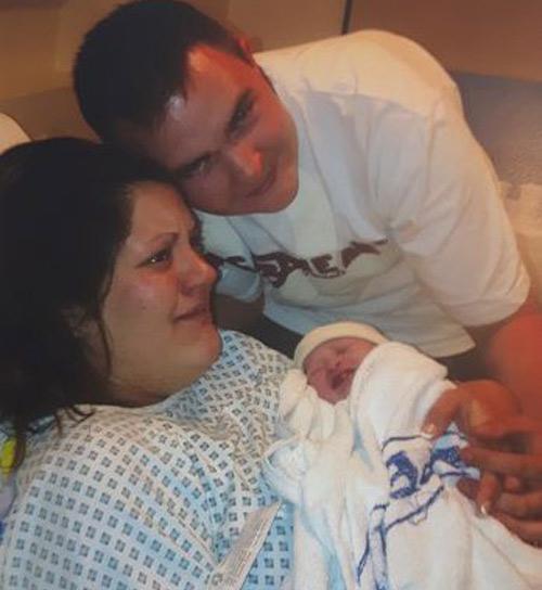 Bé sơ sinh trở về từ cõi chết sau khi bác sĩ thông báo đã chết lưu - 2