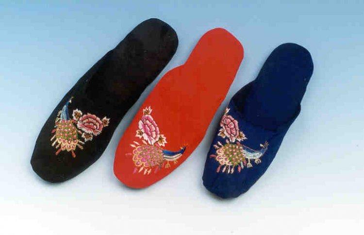 Đôi giày hai đầu tại New York FW khiến giới thời trang xôn xao - 9
