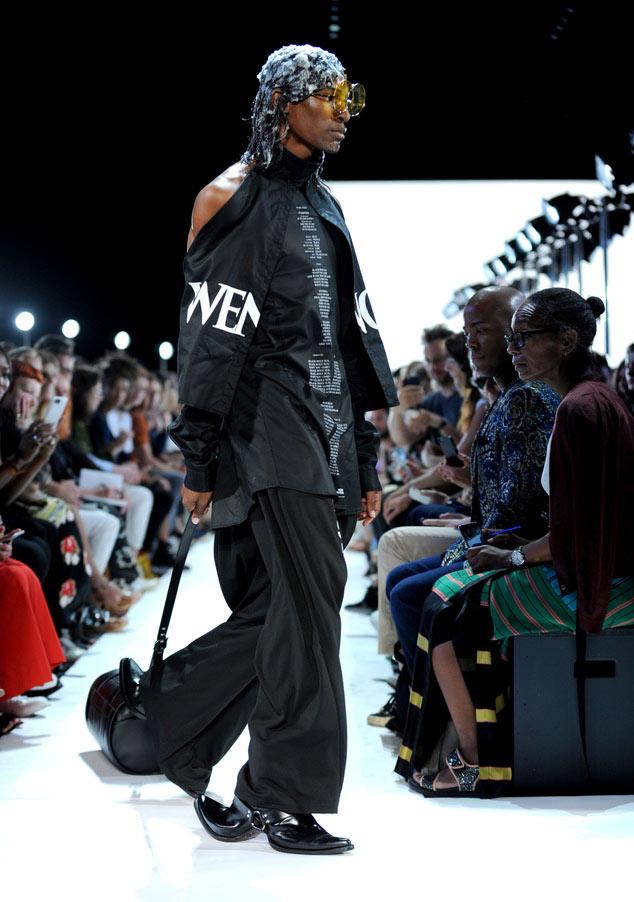 Đôi giày hai đầu tại New York FW khiến giới thời trang xôn xao - 6