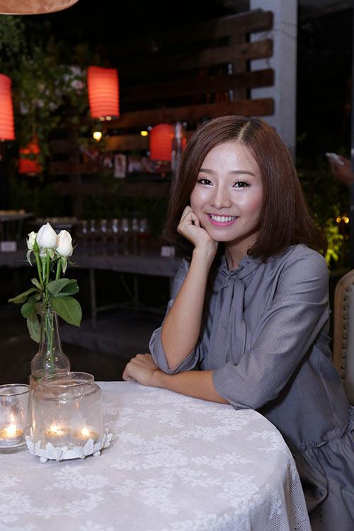 Khánh Hiền nghẹn ngào khi được bạn trai Việt kiều cầu hôn trước mặt fan-1