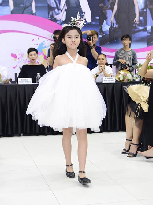 50 mẫu nhí sẵn sàng cho tuần lễ thời trang trẻ em đầu tiên ở Việt Nam-2