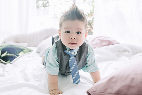 Vợ chồng Nhật Kim Anh tình cảm bên con trai sắp tròn 1 tuổi-1