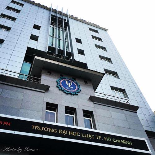 Hoang mang thông tin ĐH Luật TP.HCM bắt đóng 900.000 đồng để dự lễ tốt nghiệp-2
