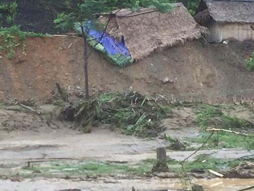Mưa lũ dồn dập Nghệ An, hơn 500 người bị cô lập-3