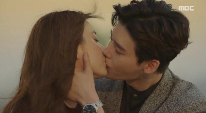 Hai thế giới tập cuối: Cái giá đắt cho hạnh phúc của Lee Jong Suk và Han Hyo Joo-7