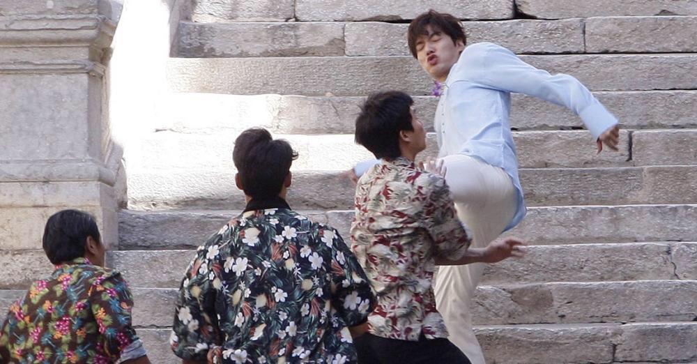 lee min ho au da voi con do, keo tay jeon ji hyun cung chay tron - 4